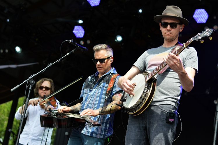 2D The Infamous Stringdusters (Credit Sound of STL)